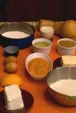 Ingredientes alimentarios en la tabla Foto de archivo