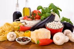 Ingredientes alimentarios italianos Imágenes de archivo libres de regalías