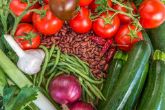 Ingredientes alimentarios sanos Diversas verduras coloridas frescas Fotografía de archivo