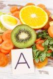 Ingredientes como la vitamina A de la fuente, los minerales y fibra, consumición sana nutritiva Imagen de archivo libre de regalías