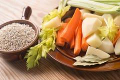 Ingredientes da sopa da cevada do polonês de Krupnik Foto de Stock