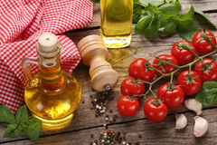 Ingredientes de alimento italianos imagem de stock