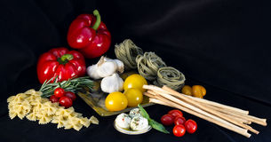 Ingredientes de alimento italianos Fotografia de Stock Royalty Free