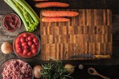 Ingredientes de alimento na tabela de madeira horizontal Fotografia de Stock
