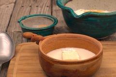 Ingredientes de la fabricación de pan Fotos de archivo libres de regalías