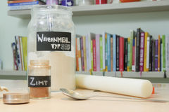 Ingredientes de la hornada en casa Imagen de archivo libre de regalías