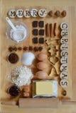 Ingredientes de la hornada para las galletas de la Navidad imágenes de archivo libres de regalías