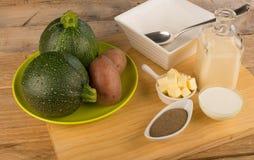Ingredientes de la sopa del calabacín Foto de archivo
