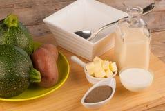 Ingredientes de la sopa del calabacín Fotos de archivo libres de regalías