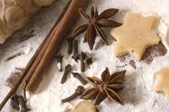 Ingredientes de los panes de jengibre de la Navidad Fotografía de archivo libre de regalías
