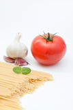 Ingredientes de uma refeição do espaguete Foto de Stock
