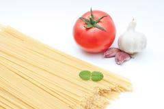 Ingredientes de uma refeição do espaguete Fotografia de Stock