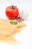 Ingredientes de uma refeição do espaguete Fotografia de Stock Royalty Free