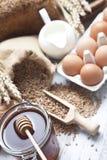 Ingredientes del pan Imágenes de archivo libres de regalías