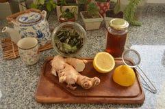 Ingredientes del té del invierno con los artículos de la cocina Imagenes de archivo