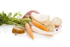Ingredientes do caldo no branco Imagens de Stock