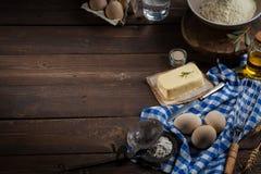Ingredientes do cozimento, espaço livre - fundo do alimento Fotografia de Stock Royalty Free