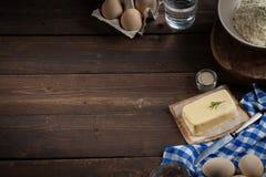 Ingredientes do cozimento, espaço livre - fundo do alimento Fotos de Stock Royalty Free