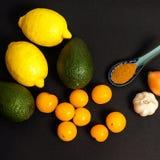 Ingredientes frescos del Guacamole Fotos de archivo libres de regalías