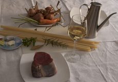 Ingredientes Genoese del Ziti (pastas largas del trigo de trigo duro) Fotografía de archivo