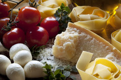 Ingredientes italianos da massa foto de stock royalty free