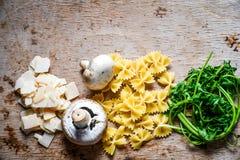 Ingredientes italianos de las pastas Imagen de archivo