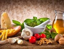 Ingredientes para Pesto imagem de stock royalty free