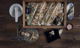 Ingredientes mágicos no tabletop imagens de stock