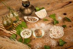 Ingredientes naturais do cuidado do corpo Fotografia de Stock
