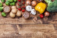 Ingredientes orgánicos frescos y sanos del verdura y alimentarios fotografía de archivo