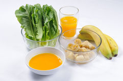 Ingredientes para agitações vegetais saudáveis da bebida Fotografia de Stock Royalty Free