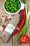 Ingredientes para cozinhar o soba do japonês dos macarronetes do trigo mourisco Imagem de Stock