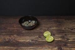 Ingredientes para cozinhar a sopa tailandesa Tom Yum fotos de stock