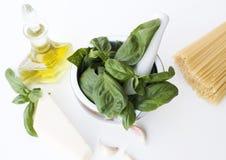 Ingredientes para el alla del Pesto Genovese Imágenes de archivo libres de regalías