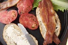 Ingredientes para el bocadillo de BLT Foto de archivo