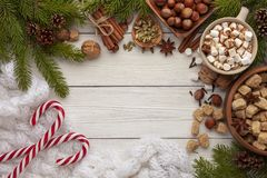 Ingredientes para el chocolate caliente o el café picante fotos de archivo libres de regalías
