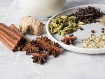 Ingredientes para el té del masala Fotografía de archivo libre de regalías