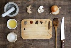 Ingredientes para hacer el curry Imagenes de archivo