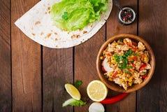Ingredientes para la carne del pollo de los abrigos de los Burritos Foto de archivo libre de regalías