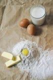 Ingredientes para a massa de pão Imagens de Stock