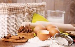 Ingredientes para a massa de pão Fotos de Stock