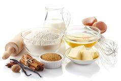 Ingredientes para o bolo de cozimento Fotos de Stock Royalty Free