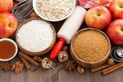 Ingredientes para o bolo de cozimento, vista superior Imagem de Stock Royalty Free