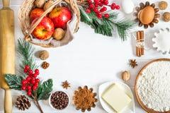 Ingredientes para o cozimento do ` s do ano novo do inverno Fundo do alimento do Natal fotografia de stock