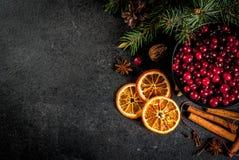 Ingredientes para o cozimento e as bebidas do Natal Imagens de Stock Royalty Free
