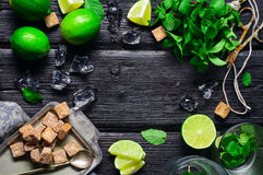 Ingredientes para a preparação do frio e do li de refrescamento do mojito Imagens de Stock Royalty Free