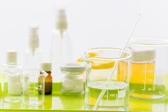 Ingredientes para a produção de cosméticos naturais, close-up imagens de stock