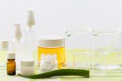 Ingredientes para a produção de cosméticos naturais da beleza, close-up fotografia de stock royalty free
