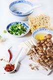 Ingredientes para a sopa asiática dos ramen Foto de Stock Royalty Free