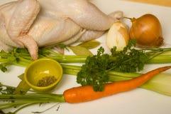 Ingredientes para a sopa de galinha Fotos de Stock